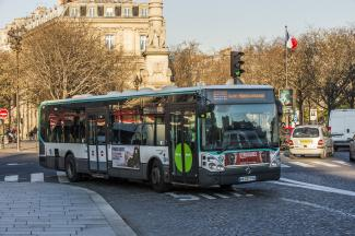 Bus 96 conduit par Marie-Laure